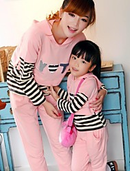 Family's Fashion Leisure Mother Daughter Long Sleeved Exercise Clothing Set