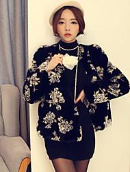 xt coat_150 piel print floral (negro)