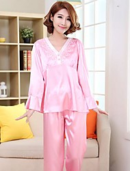 Women Lace/Polyester/Satin Pajama Medium