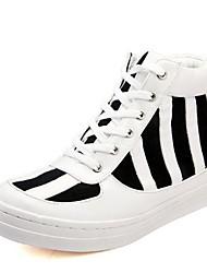 les chaussures des hommes d'espadrilles bout rond talon plat haute aide de mode de toile de chaussures