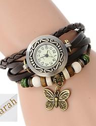 Drei-Schicht-Wrap-PU-Lederarmband Analog personalisiertes Geschenk, Frauen gravierte Uhr mit Strass