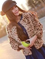 Frauen runden Kragen Rabbit Fur Coat