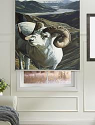 chèvre vivante sur la montagne de store à enrouleur
