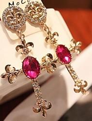 Brincos Curtos Jóias de Luxo Strass imitação de diamante Liga Formato de Cruz Branco Rosa claro Jóias Para 2pçs