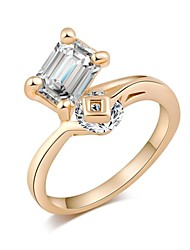 Woman's Fashion Elegant Gold-Plated Sparkling Crystal Micro Insert Ring