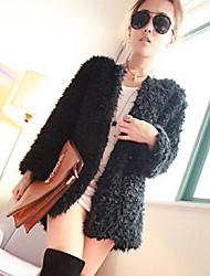 · c · un e&épaississement de la couche de manteau de femmes f