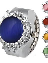 Frauenblütenförmigen runden Zifferblatt Flip Legierung Quarz Opalring Uhr (verschiedene Farben)