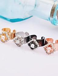 Unique Alloy Rhinestone Fashion Earrings(More Colors)