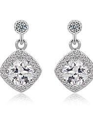 Plaqué or blanc 18 carats boucles d'oreilles forme micro carrés pierres cz pavées Dangle Boucles d'oreilles