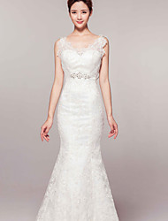 Trumpet/Mermaid Court Train Wedding Dress -V-neck Lace