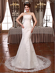 Trumpet / Mermaid Wedding Dress Court Train Strapless Lace with