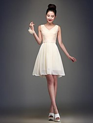 Knee-length Chiffon Bridesmaid Dress Ball Gown V-neck