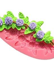 розового цветка помадки формы торта