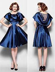 A-line Plus Sizes / Petite Mother of the Bride Dress - Dark Navy Knee-length Short Sleeve Stretch Satin / Lace