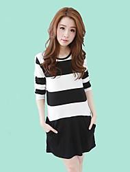 Women's Wide Stripe Mosaic Pocket Dresses