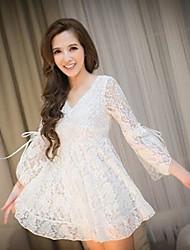 v cuello de las mujeres mini vestido, de encaje blanco / negro ocasional / cordón