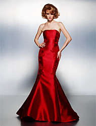 TS Couture® Prom / Formal Evening Dress Plus Size / Petite Trumpet / Mermaid Strapless Court Train Satin with Appliques