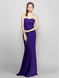 Lanting Bride® Floor-length Chiffon Bridesmaid Dress - Sheath / Column Sweetheart Plus Size / Petite with Side Draping