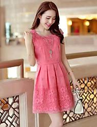 Sukienka - Obuwie damskie Przed kolano - Krótki rękaw - Dekolt w kształcie litery U