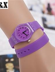 Montre fleur de la mode quartz analogique bracelet de sillicon des femmes (couleurs assorties)