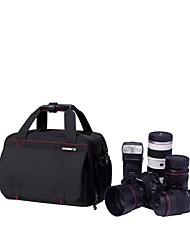 appareil photo reflex professionnel avec 24-70mm / f2.8 lentille + 1-2 objectif et le flash