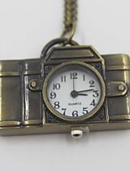 creativo câmera de bolso em forma de relógio colar camisola
