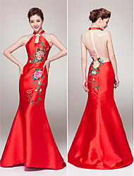 Mermaid / Trumpet High Neck Court Train Satin Formal Evening Dress with Pattern / Print