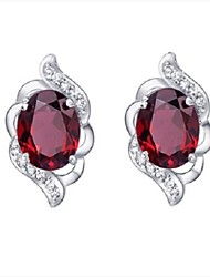 Flammable Volcanic 925 Silver Retro Red Crystal Stud Earrings Anti Allergic SE0009G Female Model