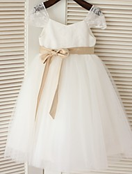 A-line Tea-length Flower Girl Dress - Lace / Tulle Short Sleeve Scoop with