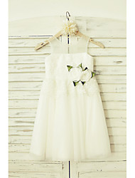 A-line Knee-length Flower Girl Dress - Lace Tulle Scoop with Flower(s)