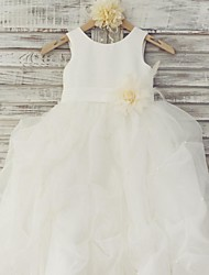 Ball Gown Floor Length Flower Girl Dress - Organza Satin Sleeveless Scoop Neck with Flower