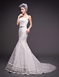 Trumpet / Mermaid Wedding Dress Court Train One Shoulder Tulle with Beading