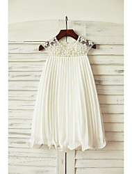 Sheath / Column Knee-length Flower Girl Dress - Chiffon Short Sleeve Jewel with