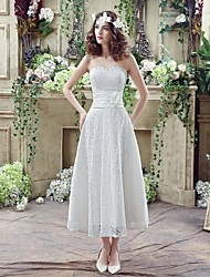 A-line Wedding Dress Knee-length Sweetheart Lace with Beading / Criss-Cross / Embroidered