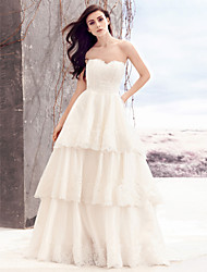 Lanting Bride® A-line Wedding Dress Chapel Train Sweetheart Lace / Satin with Lace / Tiered
