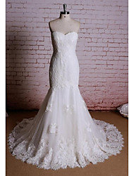 Sheath / Column Wedding Dress Chapel Train Sweetheart Satin / Tulle with Appliques