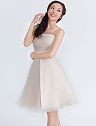 Knee-length Organza / Satin Bridesmaid Dress - Champagne A-line Strapless