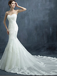 Trumpet / Mermaid Wedding Dress Chapel Train Sweetheart Tulle with Appliques / Beading