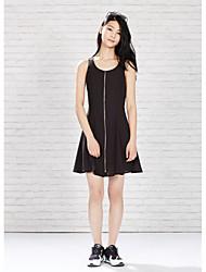 Meters/bonwe Women's Round Neck Sleeveless Knee-length Dress-233961