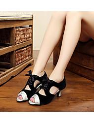Customizable Women's Dance Shoes Leather Leather Latin / Dance Sneakers / Samba Sandals Stiletto HeelPractice / Beginner / Professional /
