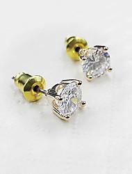 Minimalist Four Claw Zircon 18K Gold Hypoallergenic Lady Earrings