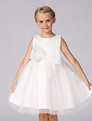 A-line Knee-length Flower Girl Dress - Lace / Satin / Tulle Sleeveless Jewel with Bow