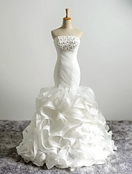 Ball Gown Wedding Dress Court Train Strapless Organza with Beading / Flower