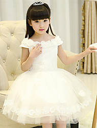 A-line Knee-length Flower Girl Dress - Cotton / Satin / Tulle Short Sleeve Off-the-shoulder with Flower(s)
