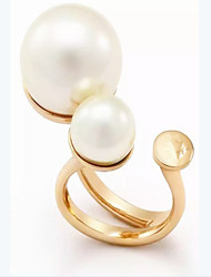Star with a gold pearl ring