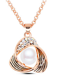 Women's European Style Fashion Metal Shiny Rhinestone Triangle Simple Pearl Pendant Necklace