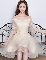 Vestido de dama de honra em cetim de tuleleira com appliques