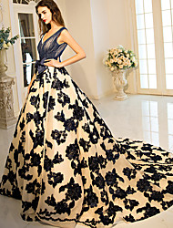 Ball Gown Princess V-neck Court Train Lace Tulle Stretch Satin Formal Evening Dress with Beading Bow(s) Flower(s) Lace by QZ