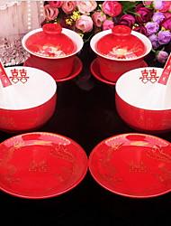 le mariage de costume bol ou un bol de porcelaine rouge Longfeng bol tasse plat louche