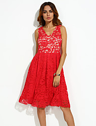 Women's Party/Cocktail Sexy Lace Dress,Solid V Neck Knee-length Sleeveless Red / Black / Green Polyester Summer